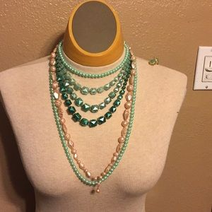 Vintage lot 3 necklaces and earrings